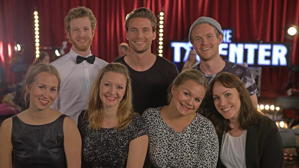 Anne Kine Lien (foran til venstre) og resten av acappellagruppen The Monday People er tilbake i Norske talenter etter at en av de andre deltakerne trakk seg.