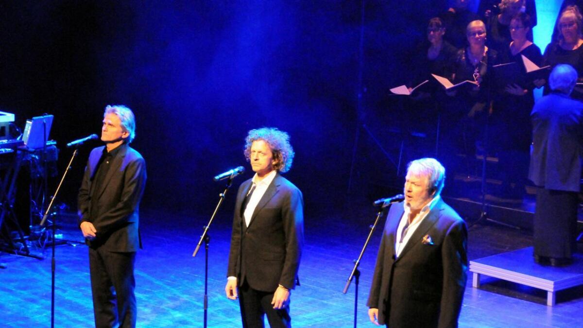 Tre tenorer sørget blant annet for operasang, og tok sammen den kjente «O helga natt».