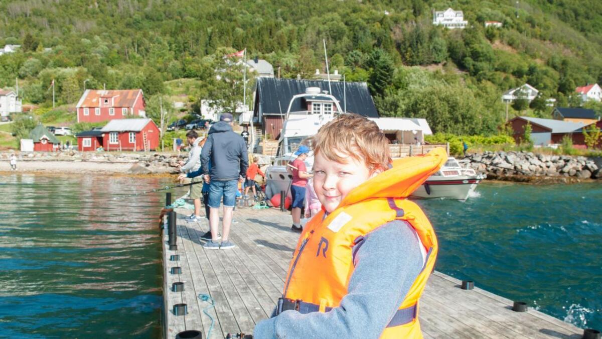 Håkon Sommerseth synes det er lite napp. Forhåpentlig er det storfisken som holder alle små-napperne unna?