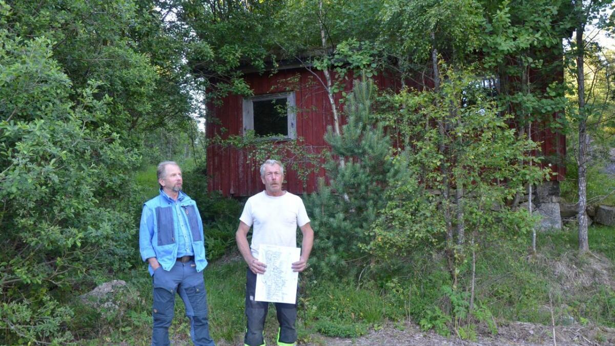 Jan Thomassen og Tor Søren Drivenes ønsker å etablere en gapahuklandsby på Drivenesheia.Arkivfoto