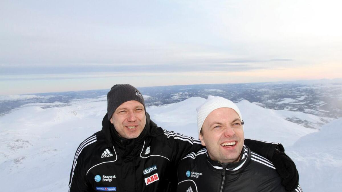 Dag-Eilev Fagermo og Einar Håndlykken i 2013, da Odd igjen ble til Odds Ballklubb. Omgivelsene var        taket av Telemark, Gaustatoppen. Det bil fortsatt være en umiskjennelig telemarksprofil i klubben. 8
