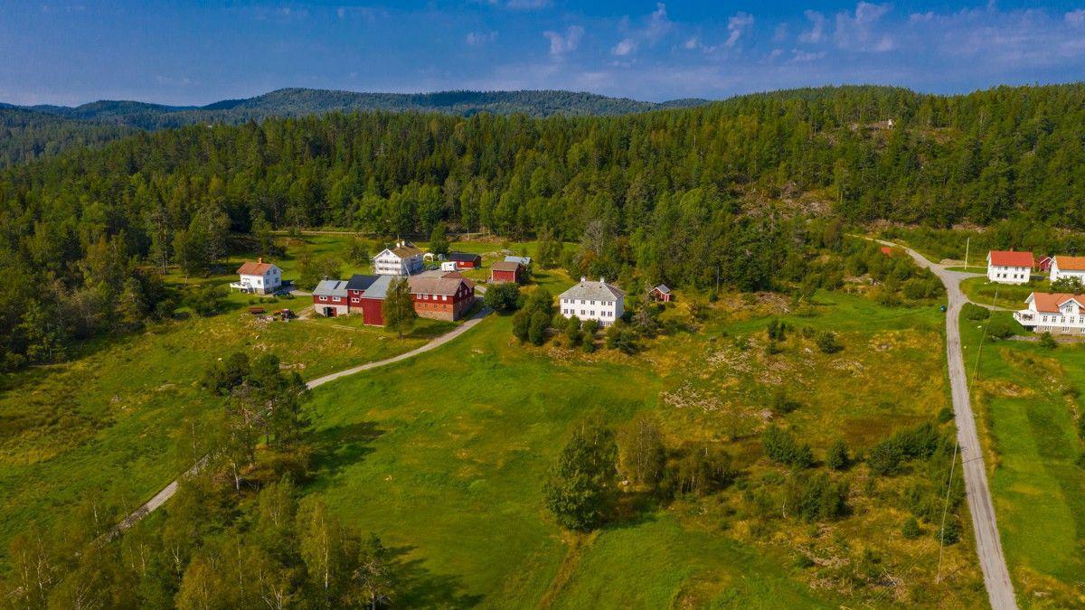 Den herskapelige eiendommen på Myre på Vegårshei er til salgs for 3.5 millioner kroner. Megler opplever enormt stor interesse for oppussingsprosjektet.