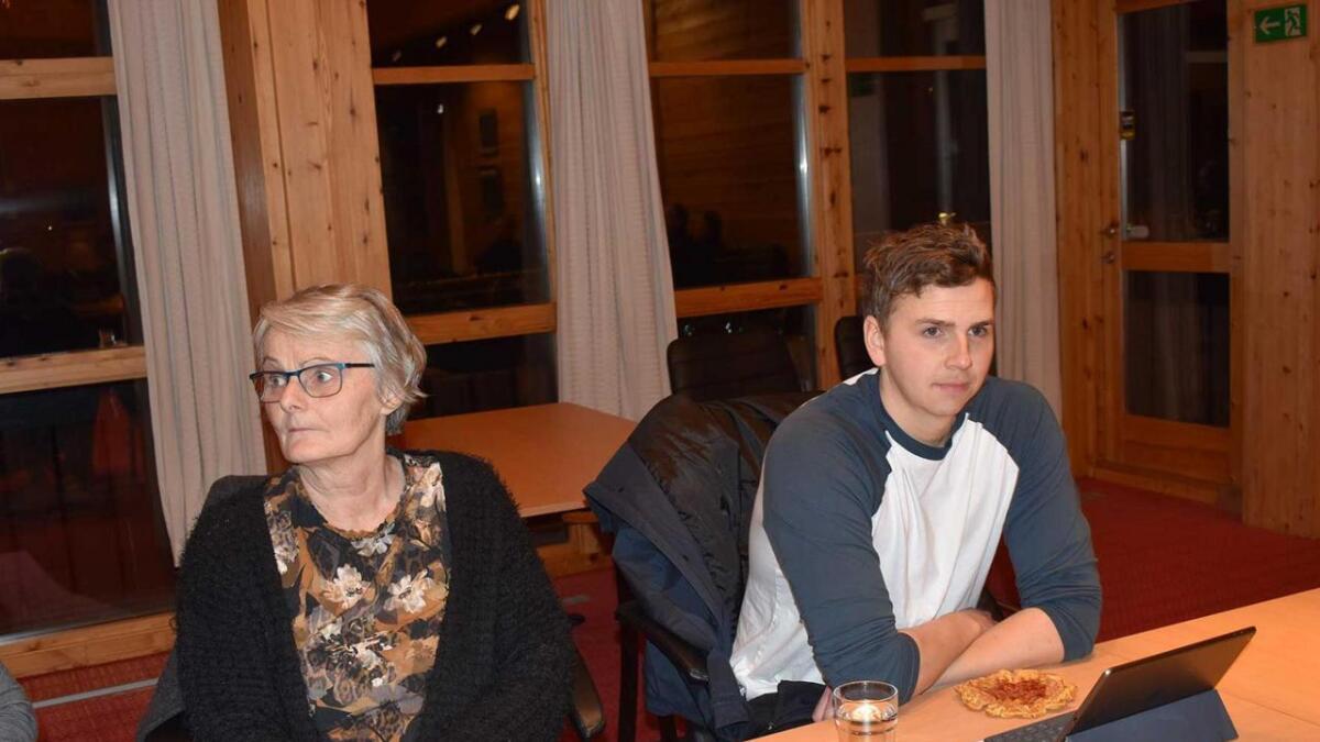 Sp meinte 2 mill. kr. i tilskot til Setesdal folkehøgskule var i meste laget under budsjettmøtet i Valle kommunestyre onsdag i sist veke. Her Malmfrid Homme og Erik Skogen.