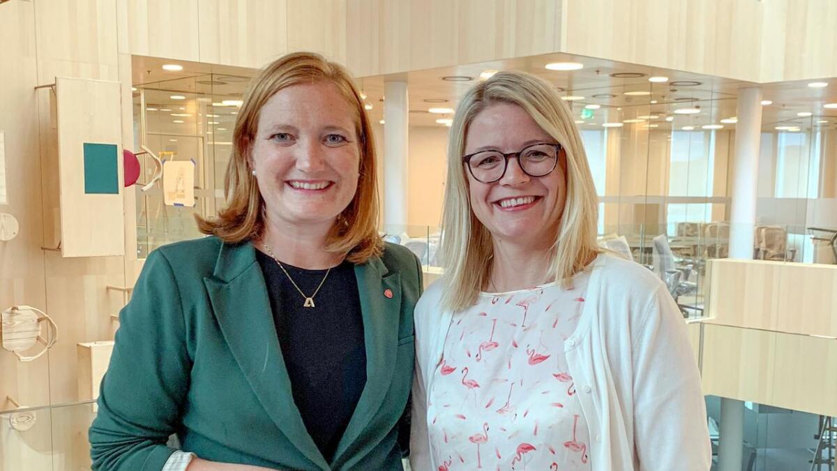 Bodø-ordfører Ida Maria Pinnerød (t.v.) og hennes kollega i Hadsel, Siv Dagny Aasvik. (Innsendt)