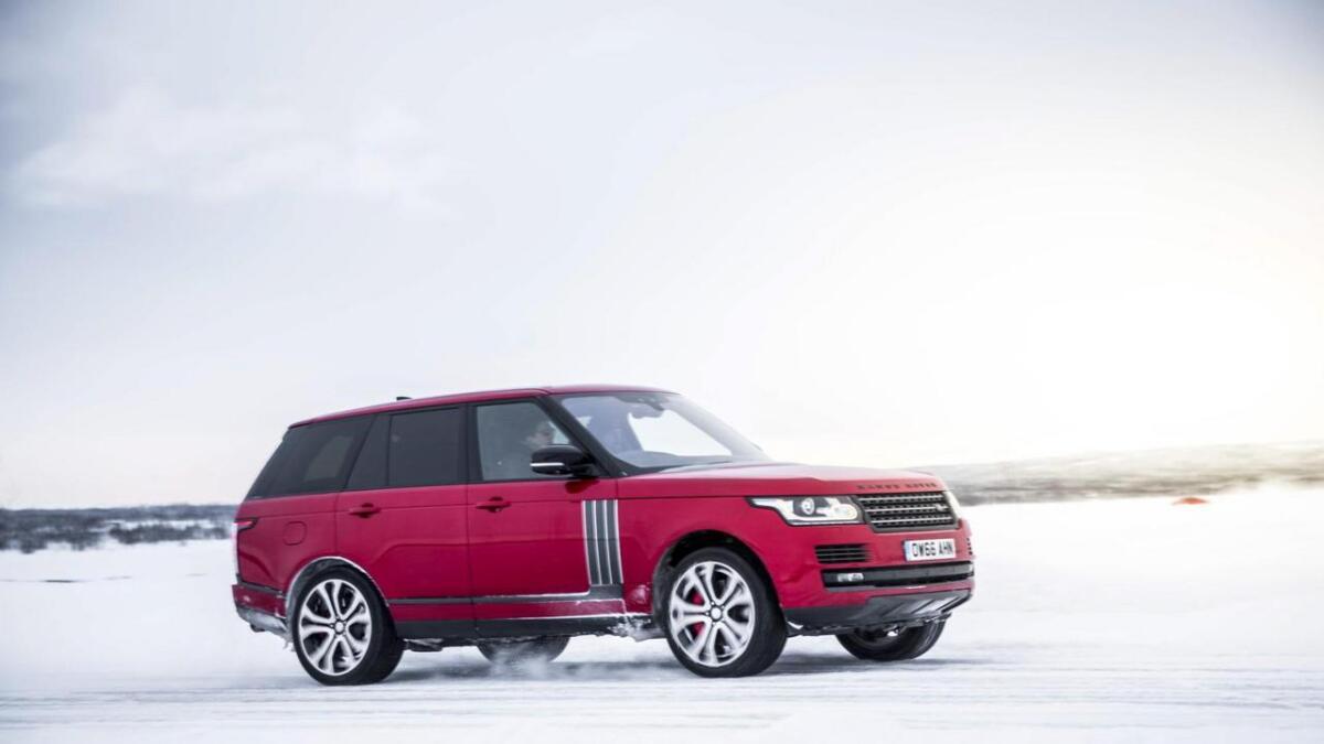 Range Rover på glatta då Team Galag arrangerte «Snowtour».