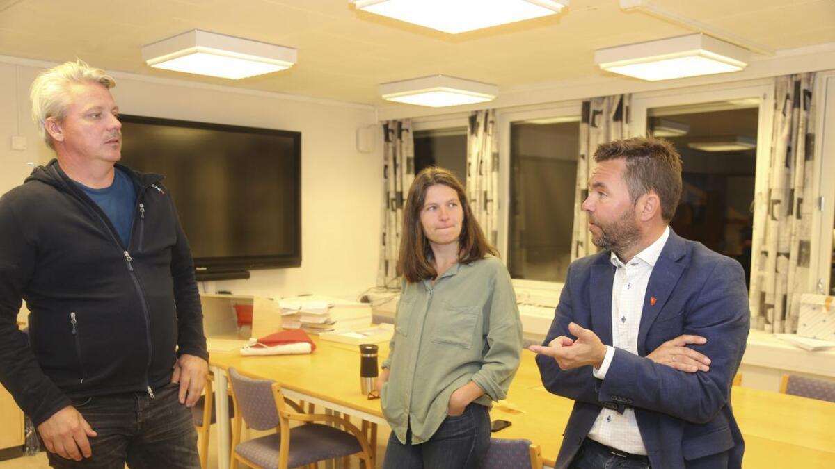 Håkon Gjerde (V), Guro Ljone (SV) og Hans Petter Thorbjørnsen (Ap) oppsummerer valdagen.