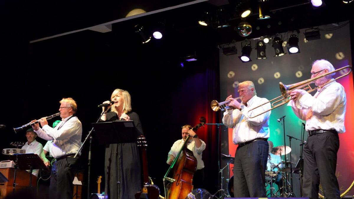 Sandra Point Trad Jazz Band.