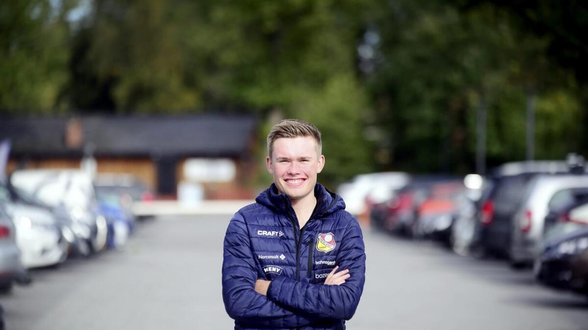 Dennis Gråsvold blir av mange regnet for å være blant landets største sykkeltalenter. Det lever den                            ambisiøse ungutten helt greit med.