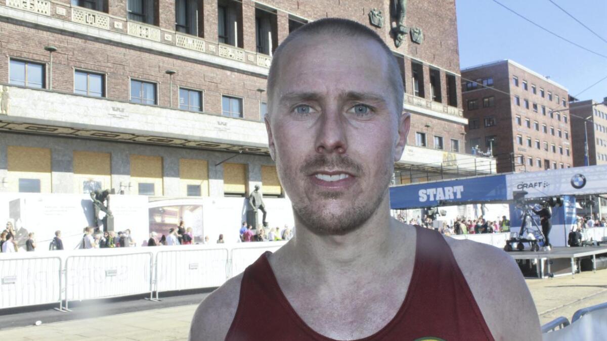 Marius Nordby hadde all mulig grunn til å være fornøyd etter at han hadde fullført sitt aller første helmaratonløp.