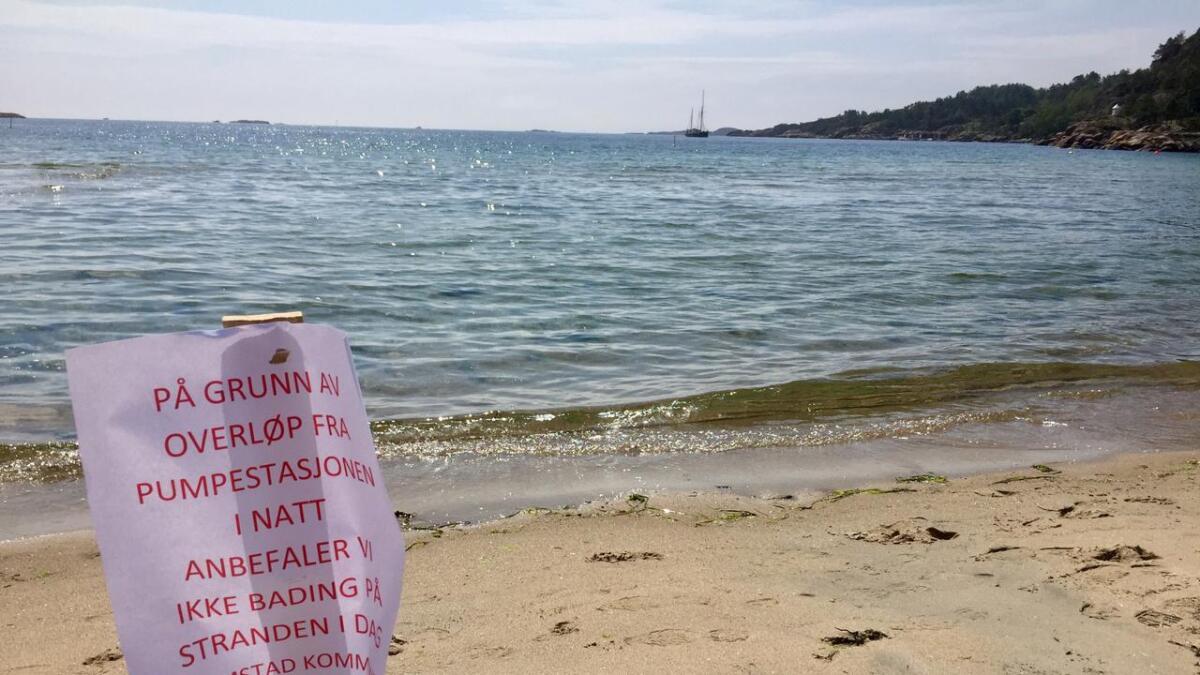 Grimstad kommune advarer mot bading i stranda etter en feil med kloakkanlegget natt til fredag.