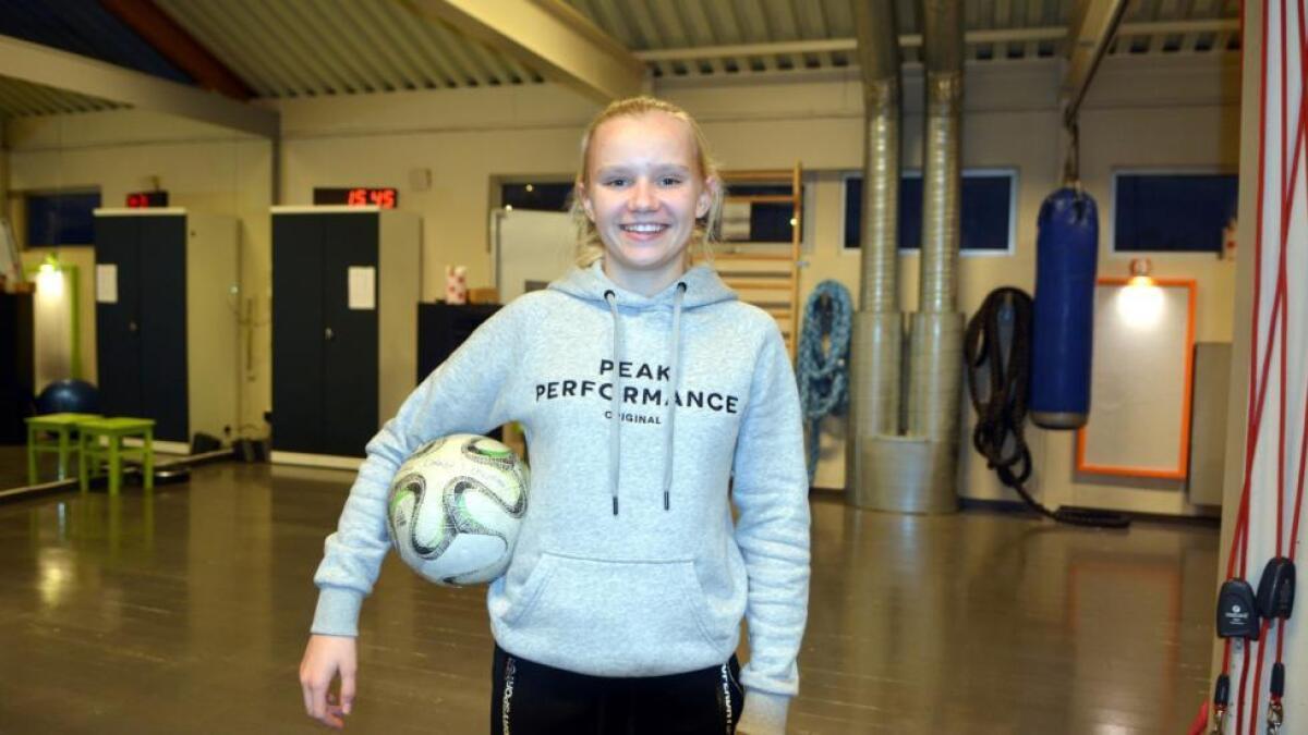 Linnéa Solvoll Laupstad fikk mye spilletid i EM-kvalifiseringen på Færøyene. Norge gikk ubeseiret videre i kvalifiseringen etter tre strake seire. Laupstad scoret to mål og hadde flere assist. (Arkivfoto)