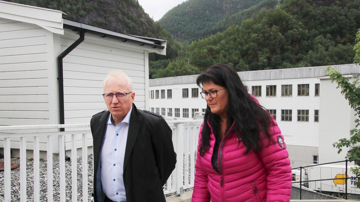 Gjermund Hagesæter, talsperson for Kryptovault AS, og Evy Kvamme, nabo til Dale Fabrikker, skal begge halda innlegg på møtet om Kryptovault si etablering i Dale Fabrikker.