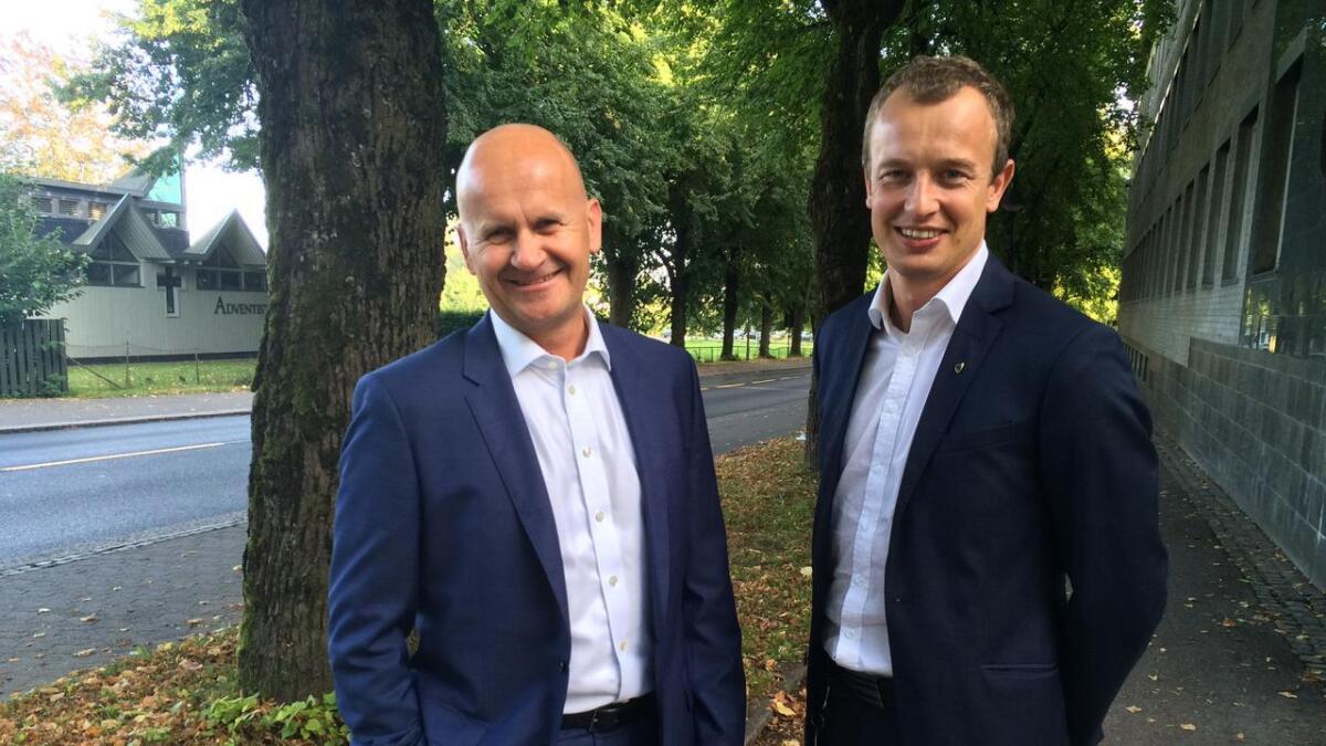 Fylkesordførerne Rune Hogsnes og Sven Tore Løkslid, ne er de slått sammen til ett fylke