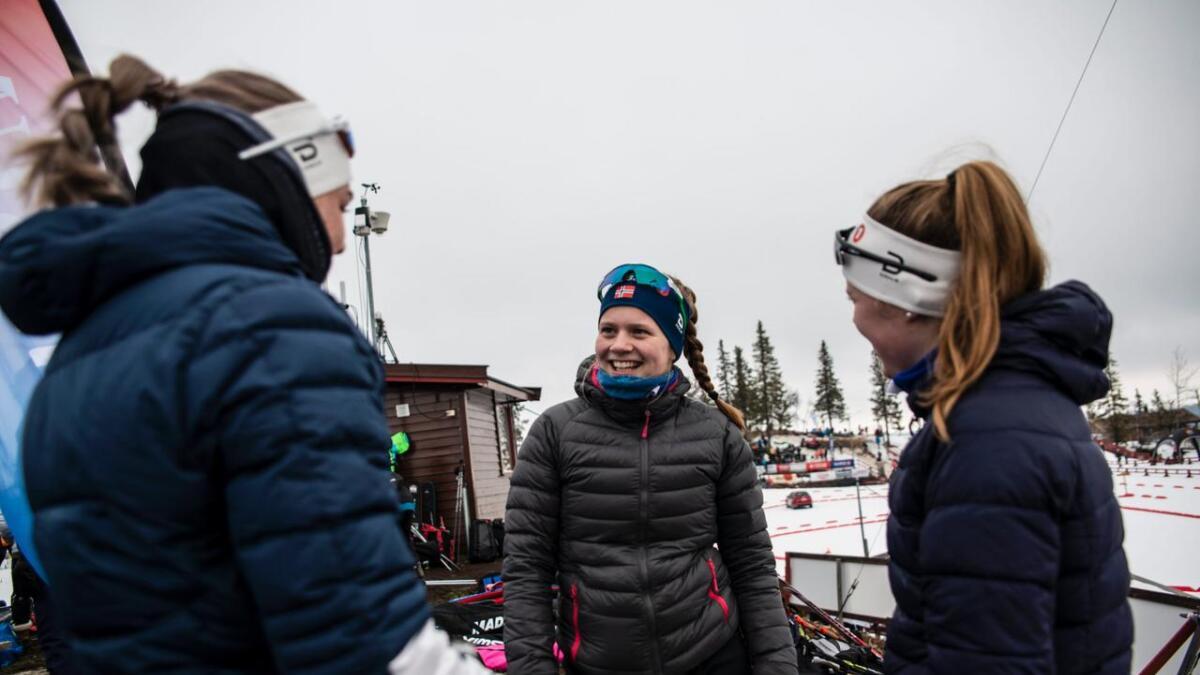 F.v. Anna Skorstad, Inga Overland og Elise Solum Bakken.