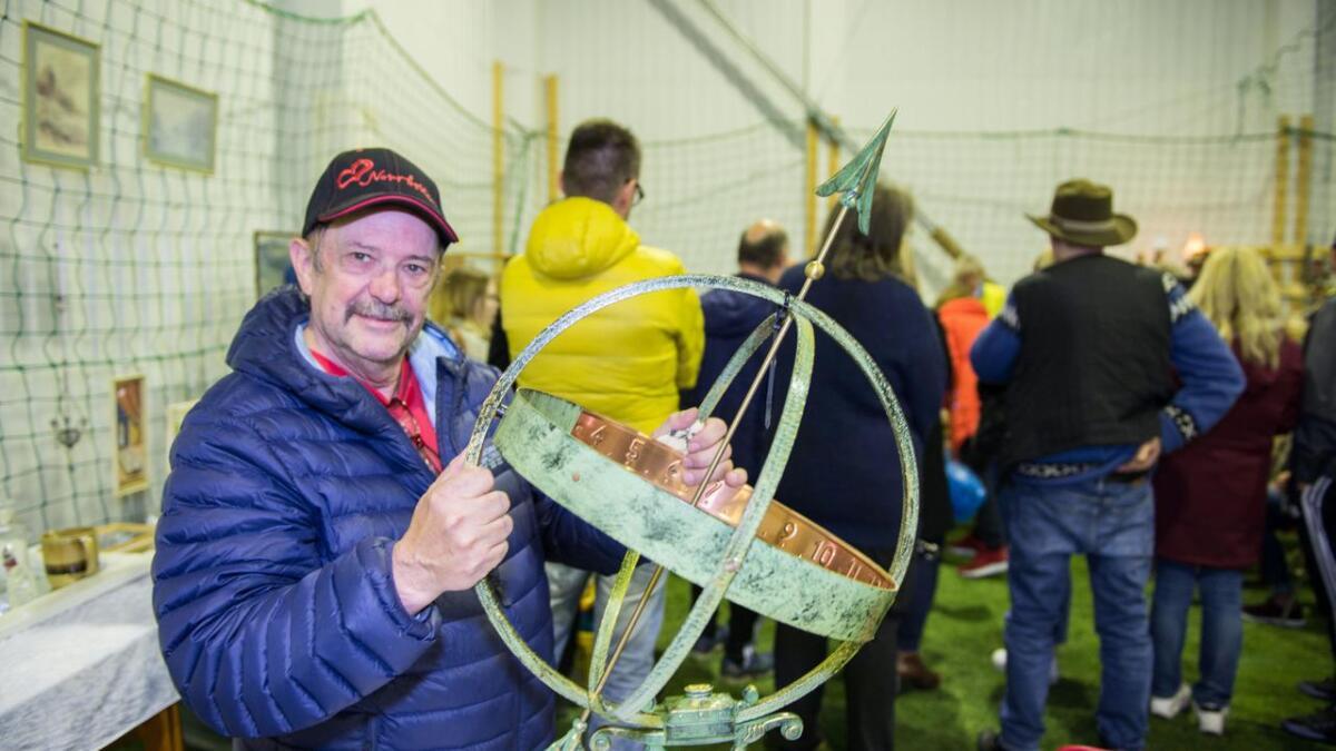 Willy Larsen gjorde gode kupp i Bø – solur, tusser og troll.