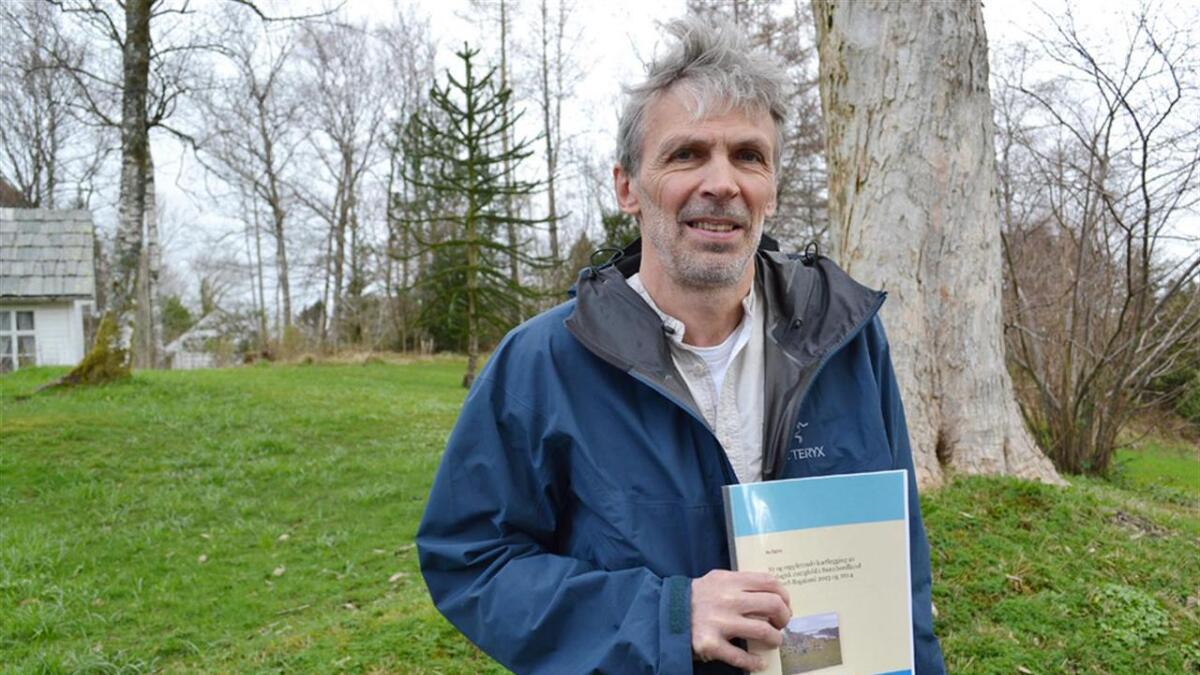 Per Fadnes har gjeve ut mange rapporter om det biologiske mangfoldet i Sunnhordland. No har han blitt dosent ved HVL. <br>