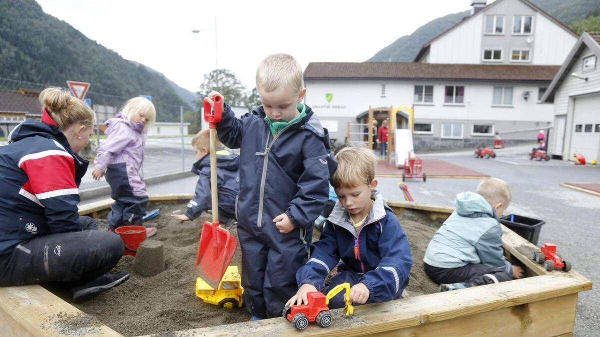 Tueteigen barnehage har ei ekstra avdeling i heradshuset, på grunn av plassproblem i eksisterande barnehage.