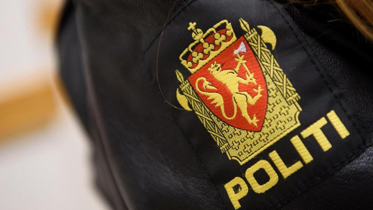 Politiet på Stord avslutta ein fest på eit lokalt grendahus i natt.