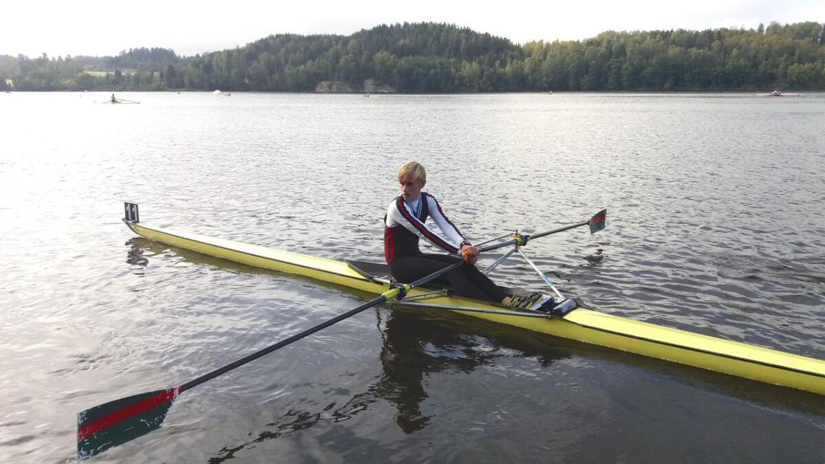 Lars Eirik Vevatne debuterte i junior A-klassen i helga. Osingen deltok også i Ormsundsregattaen der han tok ein tredje- og ein fjerdeplass i singelsculler.