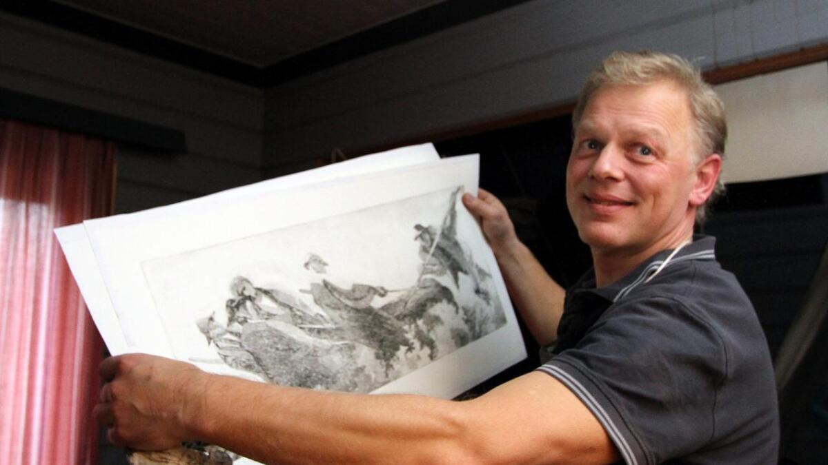 Jeg har ingen ambisjoner som kunstner, men hjelper pappa som best jeg kan, sier Gunstein Bjørgum.