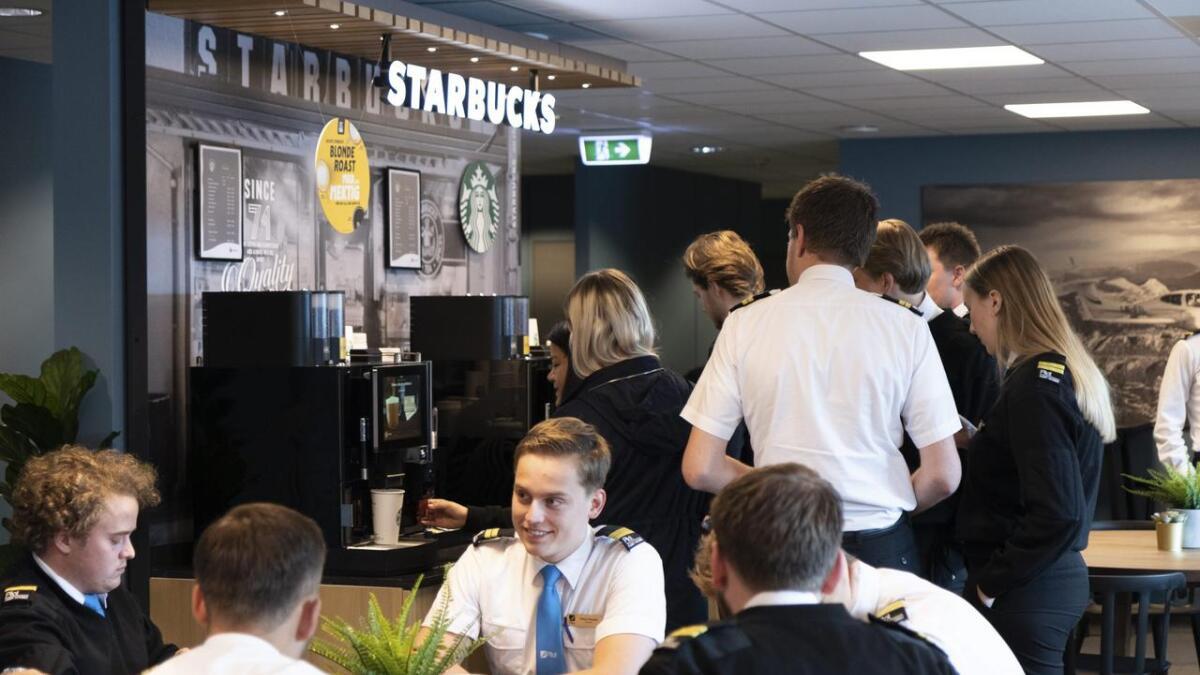 Den selvbetjente kafeen for flystudentene på Torp blir mye brukt. Nå får pilotstudentene i Notodden samme tilbud.