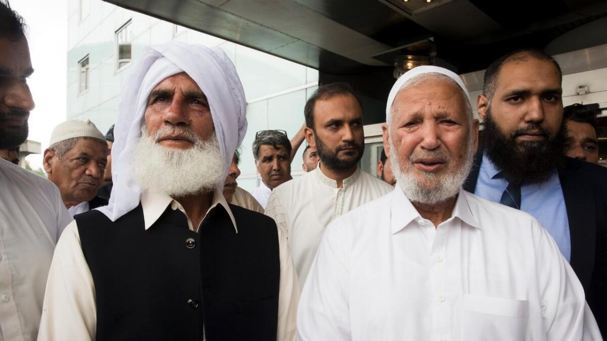 //www.spleis.no/project/78954/description[/URL]er å sende Mohamed Rafiq og Mohamed Iqbal, samt Syed Mohammad Ashraf på pilegrimsreise til Mekka.