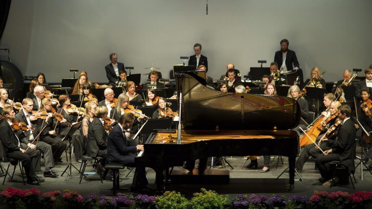 Leif Ove Andsnes har alt spelt på det nyinnkjøpte flygelet og vore med i prosessen. Laurdag var han med på avslutningskonserten for innviinga av flygelet, saman med Stavanger symfoniorkester.