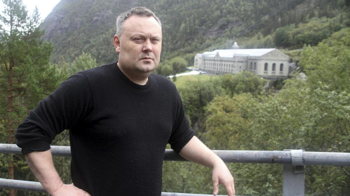Bjørn Iversen foreslo å grave ut den berømte tungtvannskjelleren på Rjukan. Han er skuffet over at han ikke lenger får bidra med sin kunnskap.