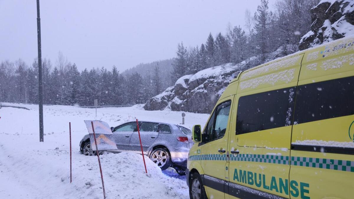 En mann ble tatt med til lege for sjekk etter denne utforkjøringen.