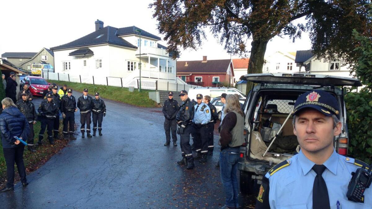 Store politstyrker er på plass i Skippergata.