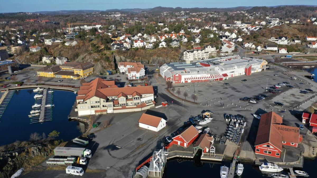 Dronefoto Grimstad sentrum havna Torskeholmen, gjestehavna, biodden.