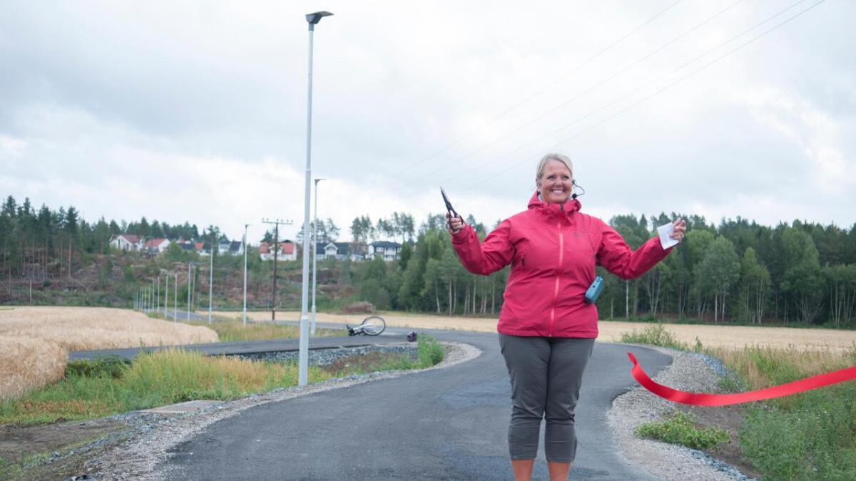 Grete Sjøli er glad for at Nes nå er godkjent som Trafikksikker kommune.