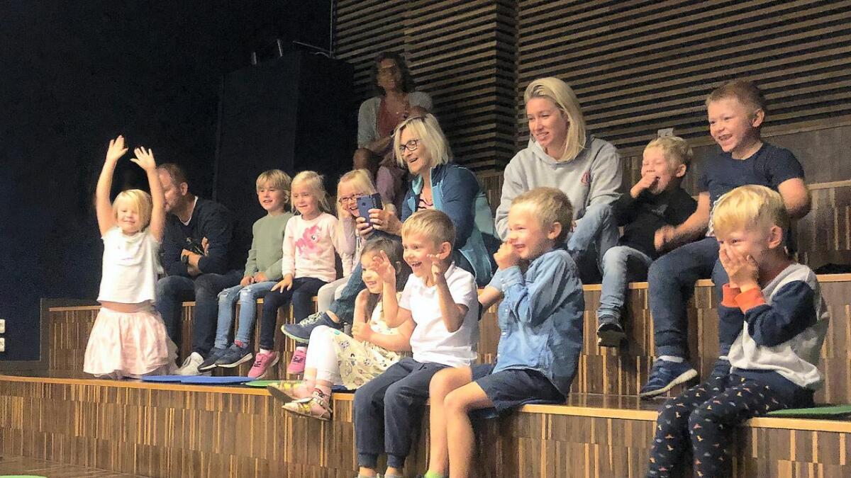 Førskolegruppen i Natvigheia barnehage i Arendal på Vitensenteret i Arendal.