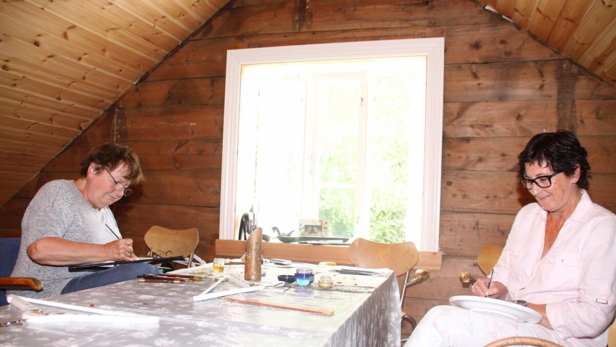 Hjørdis Juvik og Torunn Rød Farsund måla til amerikanaranes store begeistring.