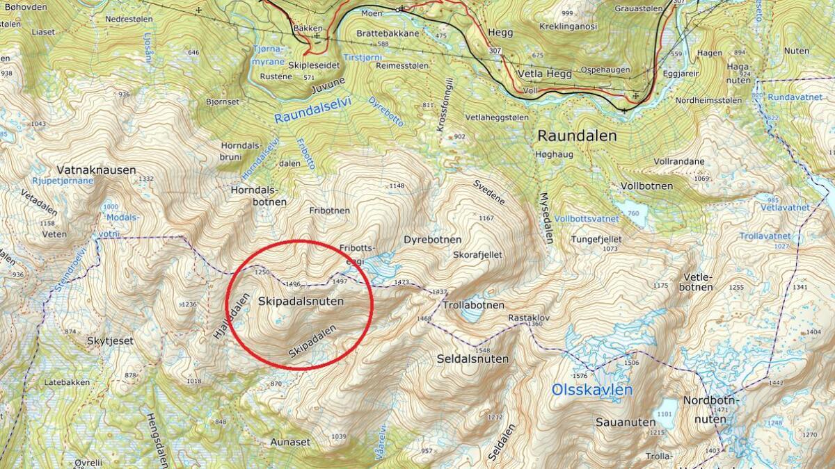 I dette området (raud ring) er turfylgjet som no treng hjelp for å komma seg trygt ned att frå fjelltur.