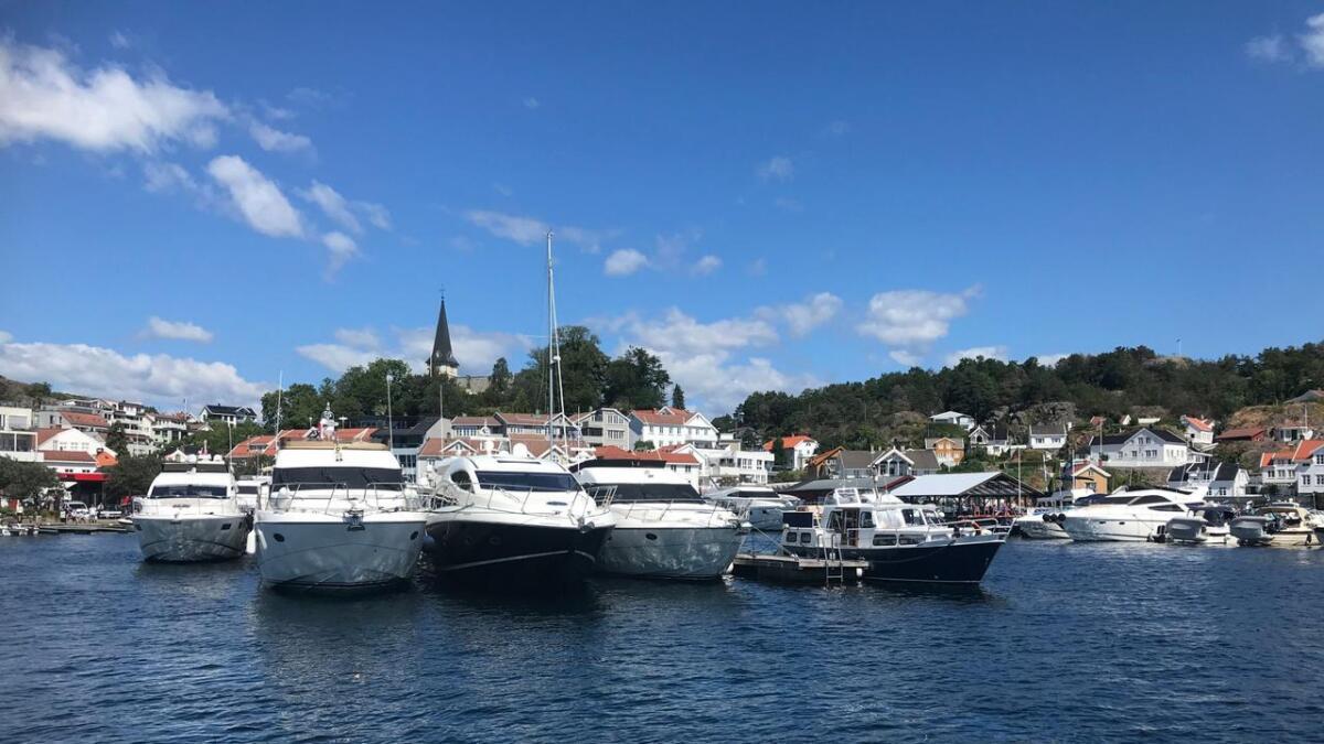 Selv ikke på ferie i den sørlandske skjærgården skal man slippe unna skammen. Bildet er fra Grimstad gjestehavn.