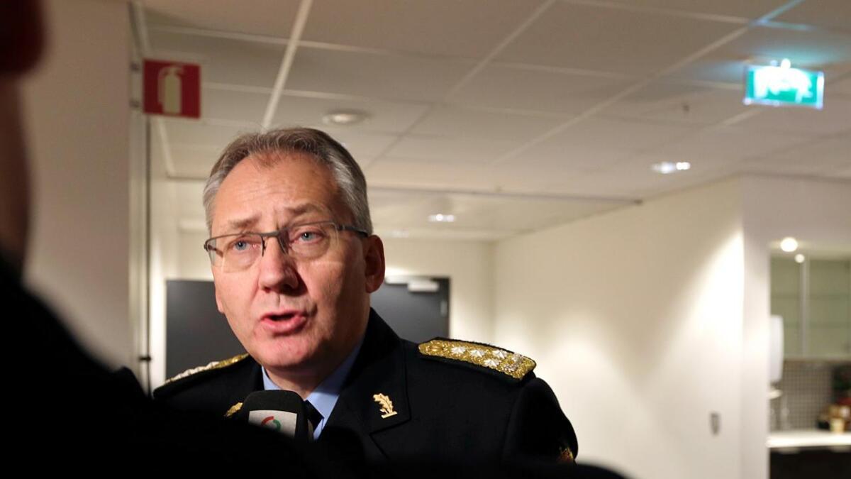 Politidirektør Odd Reidar Humlegård ber politifolk være ekstra forsiktige på jobb som følge av den nye trusselvurderingen.