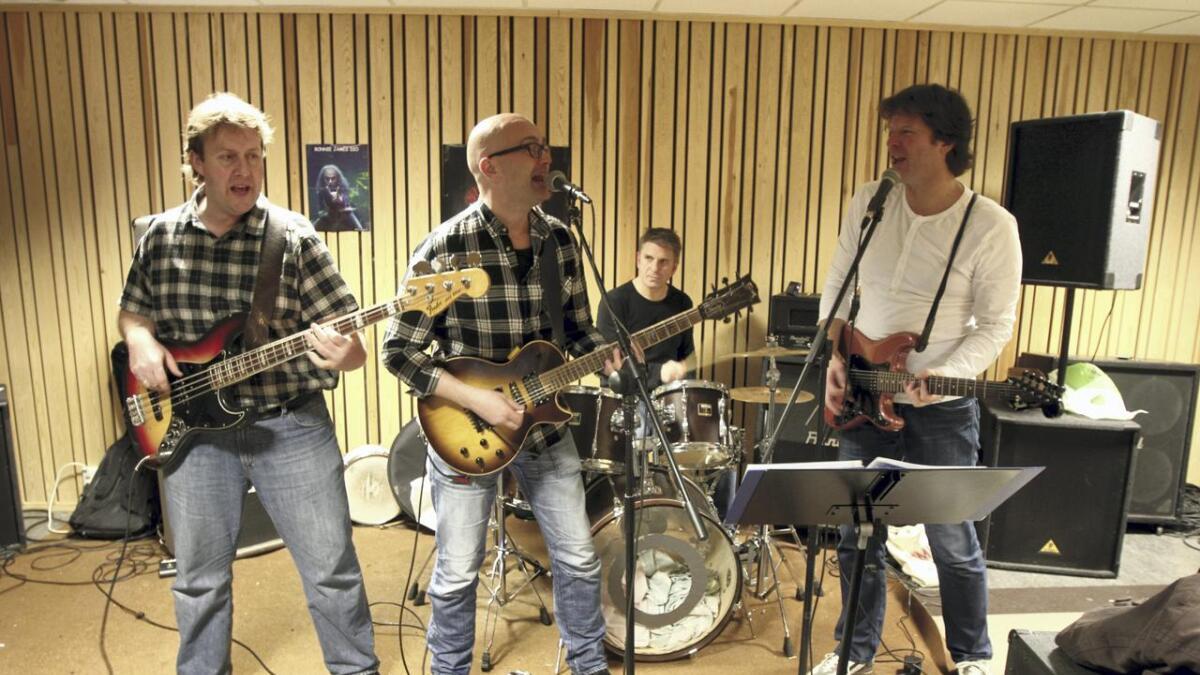 Musikk heile helga lovar frå venstre Torstein Totten Norevik, Øivind Svensken Tronstad, Tormod Tommen Knaptstad og Kåre Kølla Kolve.