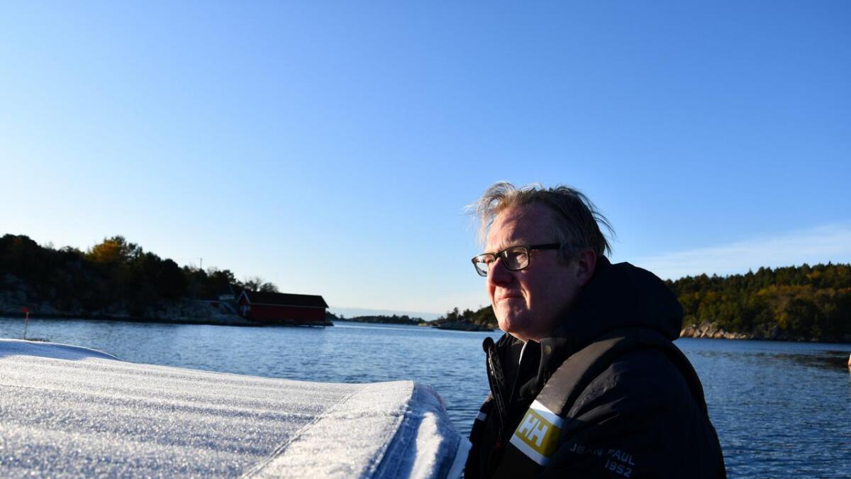Ordførerkjedet er ikke på plass ennå, men Einar Holmer-Hoven har allerede så mange arbeidsoppgaver at litt avkobling med hummerfiske må til.