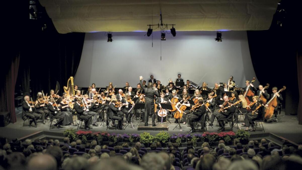 Dirigent og stordabu Eivind Gullberg Jensen har stor internasjonal suksess, og denne laurdagen vitja han Stord saman med Stavanger Symfoniorkester og Leif Ove Andsnes.