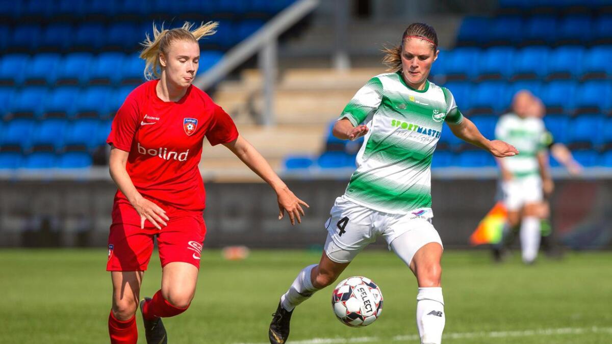 Laila Himle har funne seg godt til rette som fotballproff i Fortuna Hjørring. I vår vart ho dansk cupmeister, og i helga som var vann dei 3–0 over Kolding (biletet) og tok over leiinga i den danske serien.