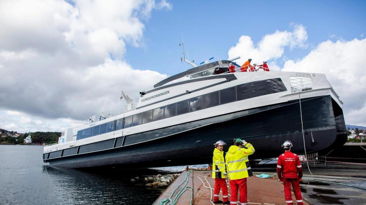 Oma Baatbyggeri sin første av tre Norled-båtar vart sjøsett ved verftet.