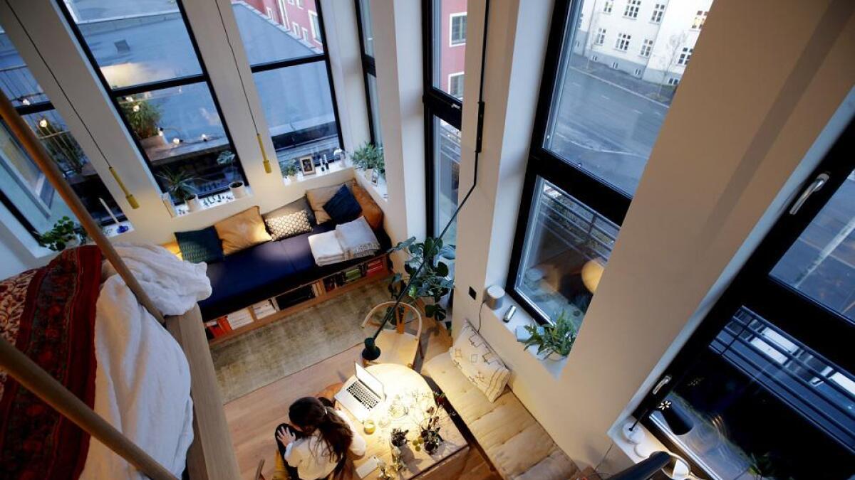 At det var fire meter under taket i leiligheten, var noe både arkitekt Tron Meyer og eier Tora Rommetveit tenkte at de måtte untytte til det fulle.