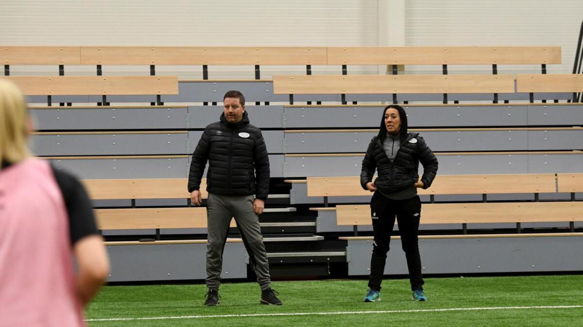 Tommy Egeli, styreleder Kari Hjembo og resten av Amazon raser etter at klubben ikke fikk midler til spillerutvikling på Sørlandet.