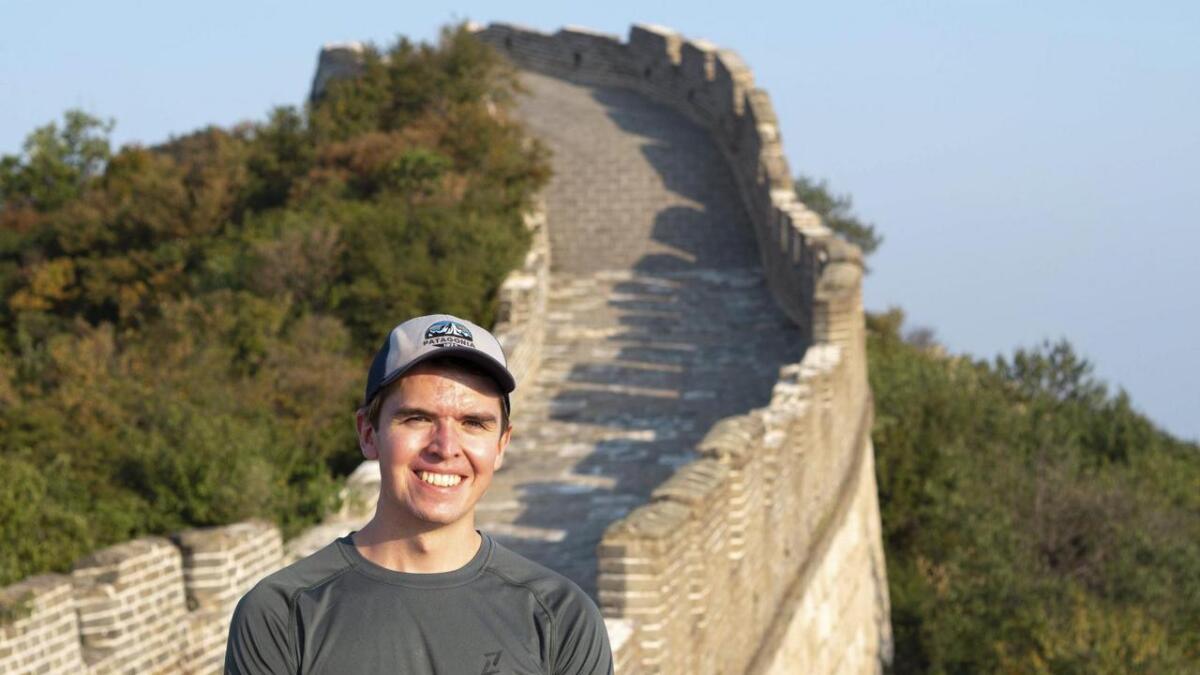 – Det var stort å gå på den kineske muren, eitt av verdas mest berømte byggverk, seier vossingen Håvard Farestveit som studerer i Kina.