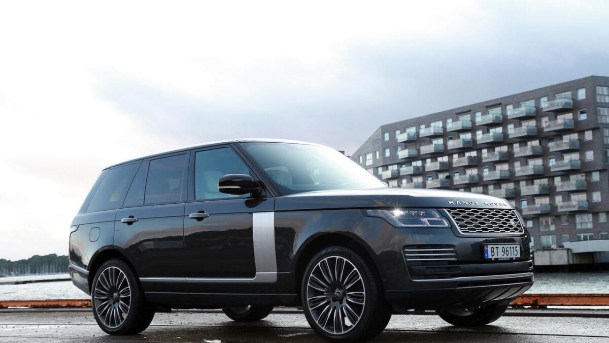 Range Rover-modellen har vore gjennom ei liten midtlivsoppgradering. Dieselmotoren i testbilen har fått litt meir krefter, og kjøreassistentteknologien har fått fleire funksjonar.