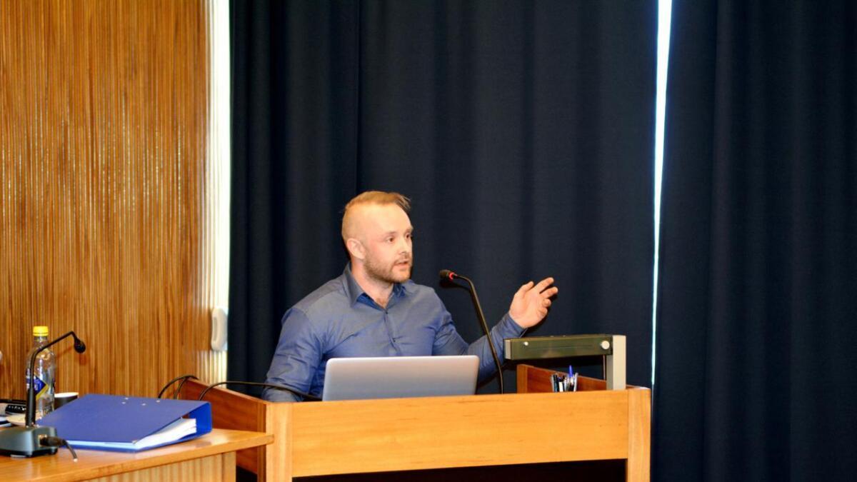 SLT-koordinator i Sortland, Randulf Nedrum, oppfordrer foreldregruppa til å danne et forum hvor de blir bedre kjent og kan fortsette diskusjonen.