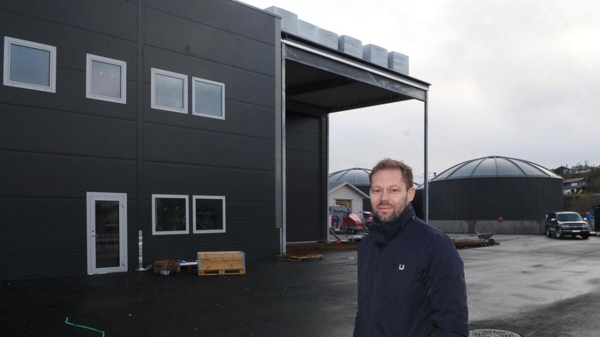 Stian Frivåg er daglig leder for Vesterålen Marine Proteiner (VMP) og Vesterålen Marine Oljer (VMO). Her ved nyfabrikken på Kartneset.