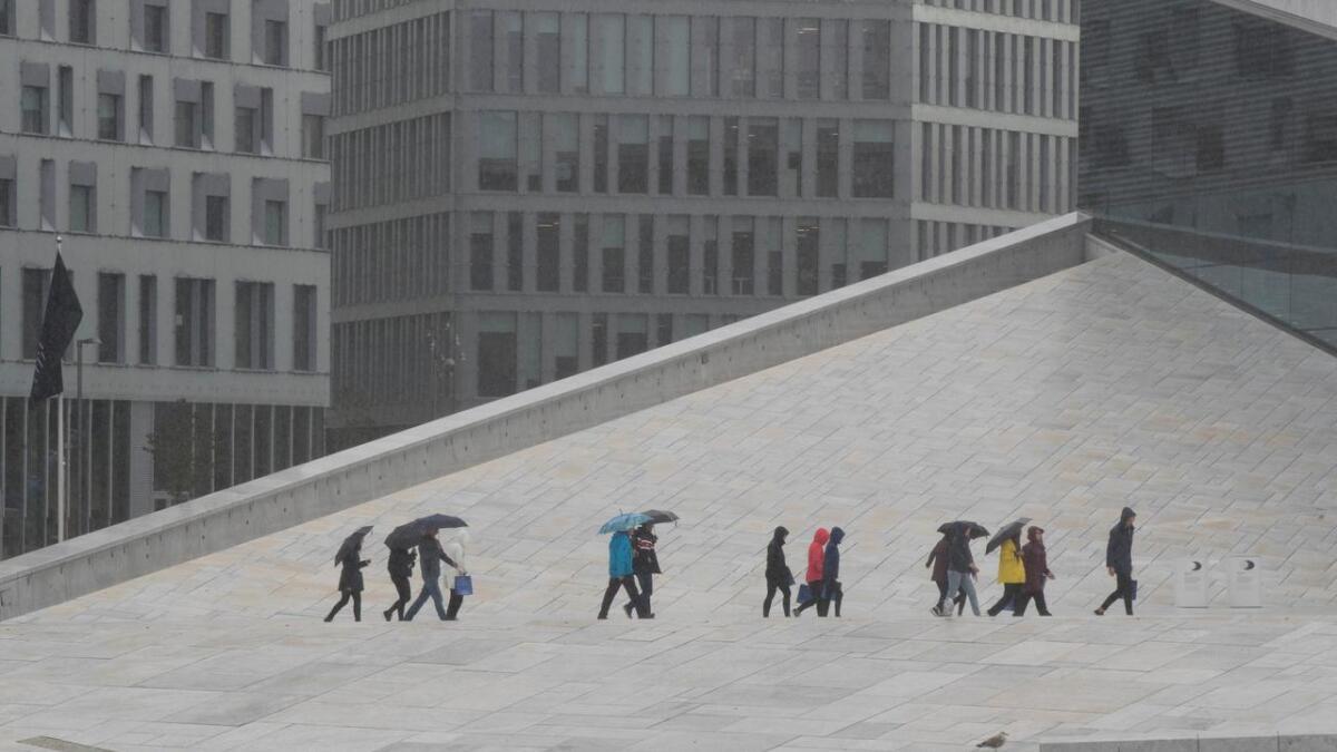 Regnfull helg i vente i store deler av landet.