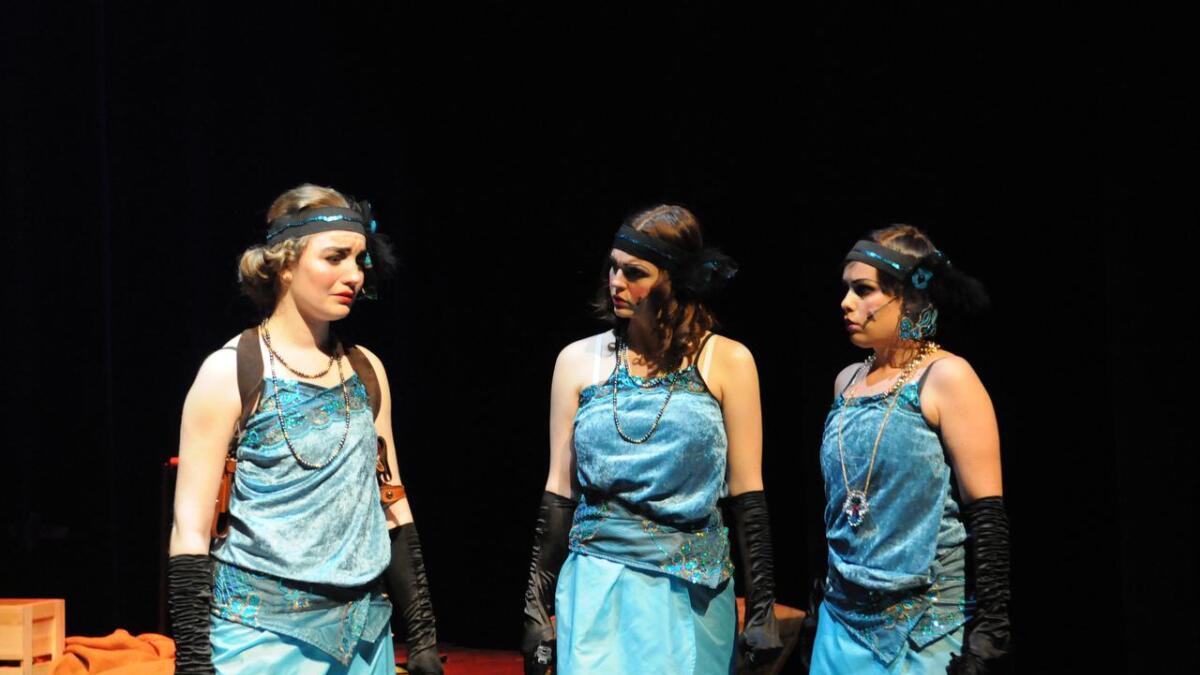 Lady Macbeths tre versjoner, spilt av fra v. Ingrid Nes Gladheim, Marte Raknerud Hoel og Vibeke Tømte.